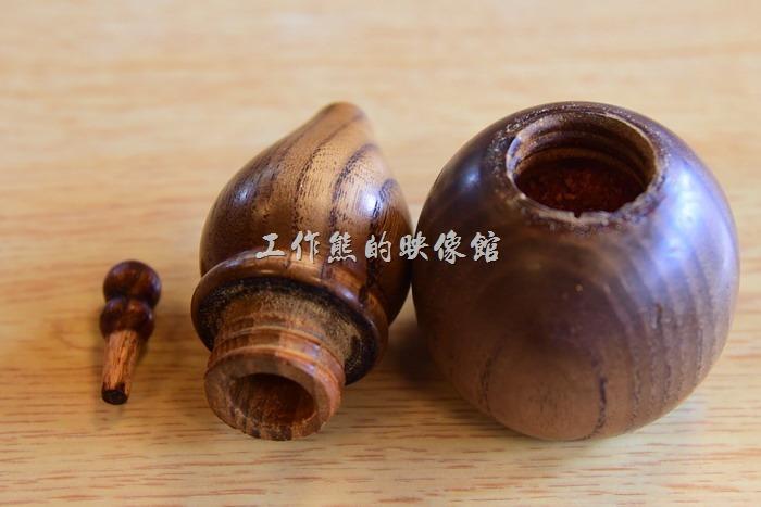 日本奈良-繪馬堂茶屋。工作熊工程師性格發作,手賤把人家的胡椒罐整個拆開來了,完全木作的胡椒罐,還蠻有趣的!