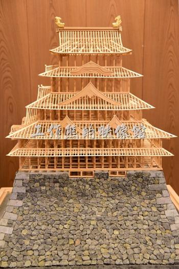 名古屋城大天守閣的五樓也有展出天守閣的房屋骨架模型還有等比率的天守閣縮小模型。