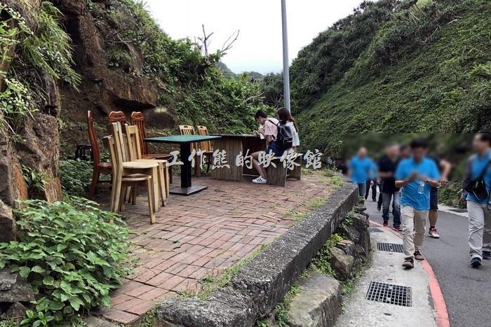 鼻頭角稜谷步道。這裡可以喝路邊咖啡