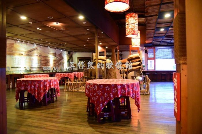 「台東悟饕池上飯包文化故事館」的二樓有一間餐廳,這個乎是有人定位團體用餐的時候才開放。