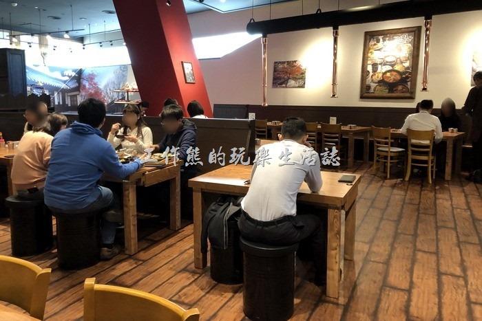 明月館焊國烤肉定食南港店的店內一隅。
