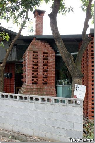 高雄-橋頭糖廠。用紅磚堆砌出來的磚窯。
