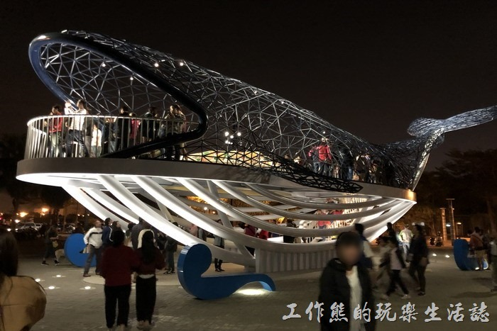 《台南旅遊》安平打卡新地標:大魚的祝福(鯨魚裝置藝術)