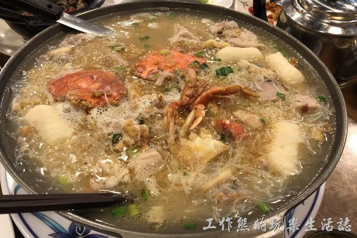 台北南港-三竹園客家小館。特製芋頭米粉鍋,NT780。