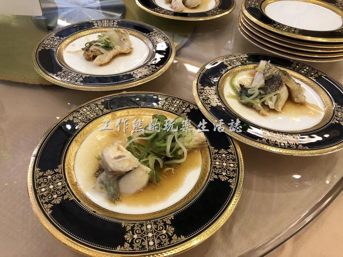 台北-頂鮮101景觀餐廳。蔥燒清蒸龍虎斑。