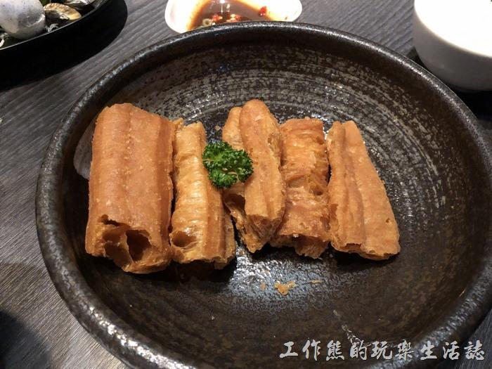 台南-輕井澤鍋物。加點了「老油條」,一份NT50。