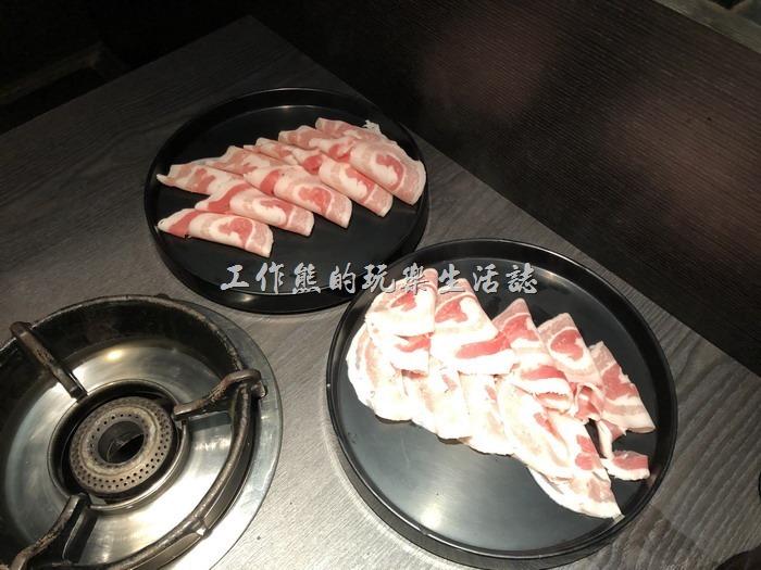 台南-輕井澤鍋物。加點的「培根豬肉」,一份NT132。