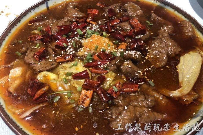 北京-羲和雅苑。水煮牛肉(微辣),RMB88。牛肉入口滑順。