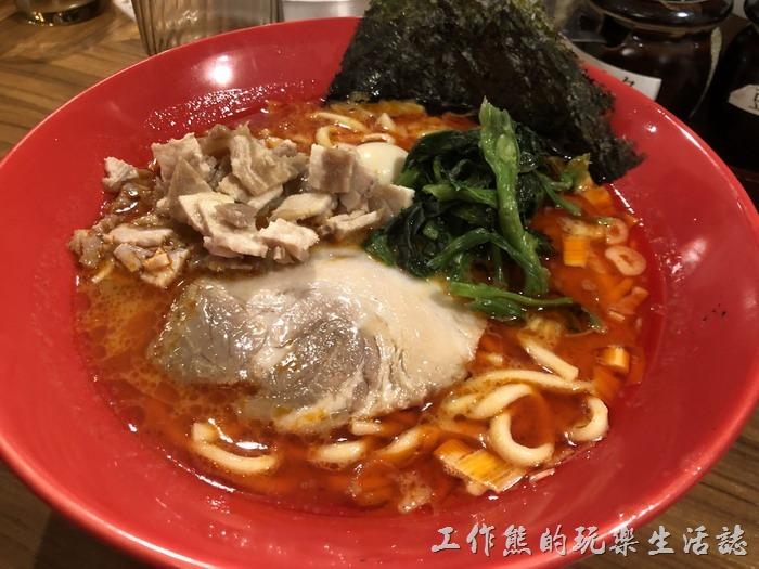 日本-橫濱家系拉麵。橫濱家系-赤家系麵,日幣830元。