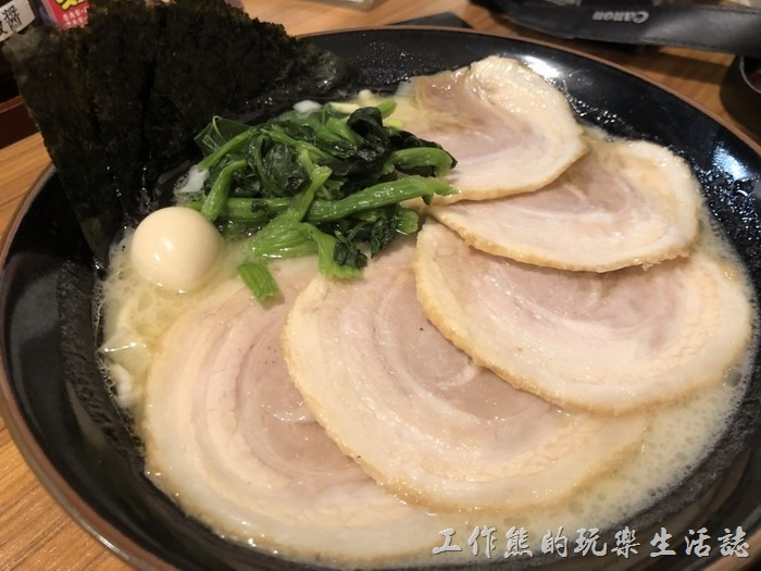 日本-橫濱家系拉麵。叉燒拉麵,日幣980元。