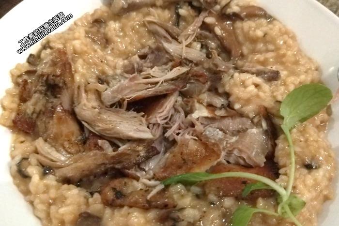 《墾丁南灣》「迷路小章魚餐酒館(Piccolo Polpo Bistro)」。松露油鴨腿燉飯