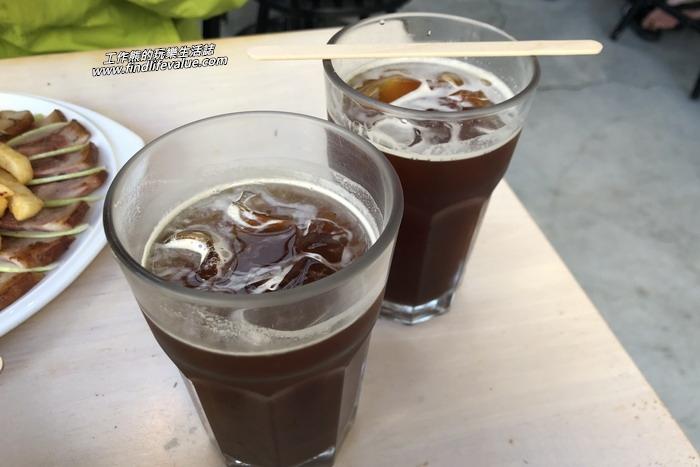 濰克早午餐台南成大店。工作熊點餐時,服務生回答說咖啡居然不能做熱的換