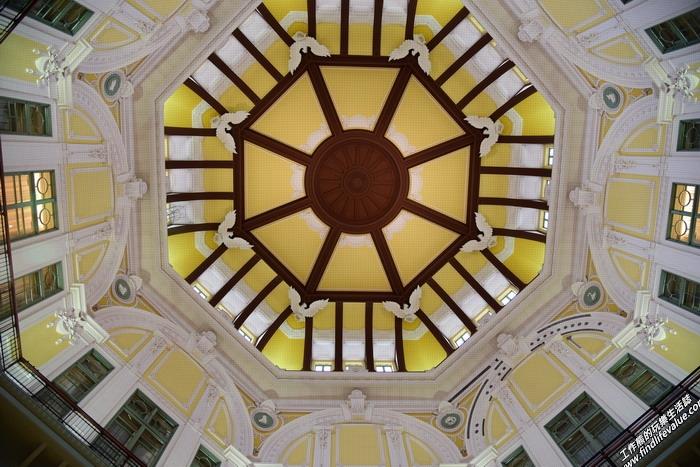 日本東京車站的圓形天花