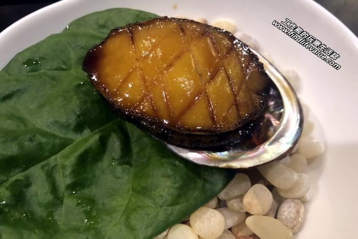 台南銀座日本料理餐廳。醬燒鮑魚:鮑魚鮮嫩爽口