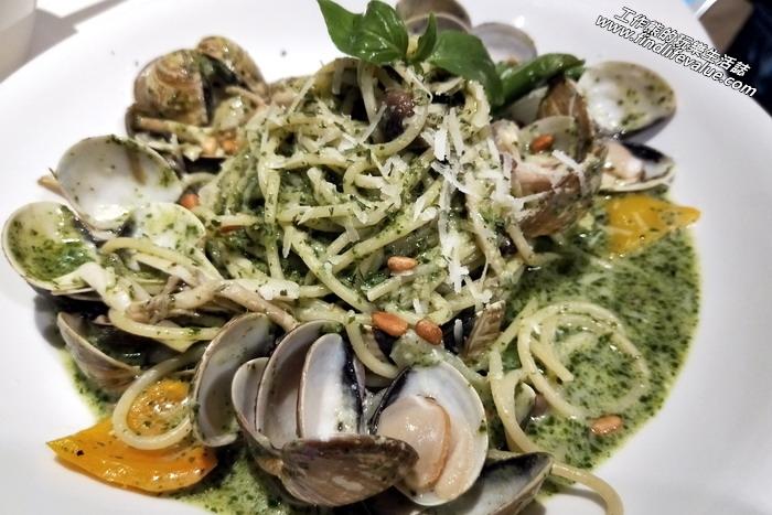 《台南美食》KAFFE@HOME義大利麵、輕食、飲料。蘿勒蛤蜊菌菇義大利麵,NT260。