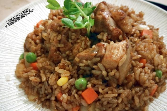 台南《洋蔥咖哩工房》雞肉咖哩炒飯, NT300。