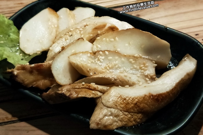 台南《府城騷烤家》。杏鮑菇,NT70。這杏鮑菇要是新鮮